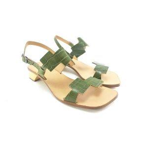 Sandali fibbia pitonati con tacco